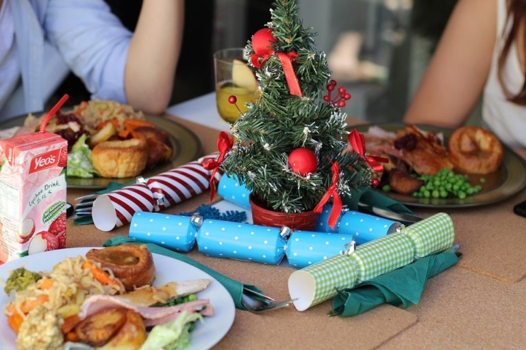 A Christmas Feast for your Eyes - Foods that will help your eye health during the holidays